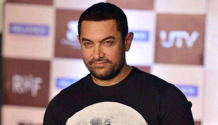 देश के खिलाफ बोलने पर आमिर और स्नैपडील पर साधा रक्षा मंत्री मनोहर पर्रिकर ने निशाना