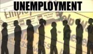 दुनिया को पछाड़ने वाली अर्थव्यवस्था में नौकरियों का सूखा ख़त्म नहीं हो रहा