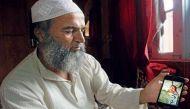 बुरहान के पिता ने कहा शहीद हुआ बेटा, घाटी में 18 की मौत, श्रद्धालुओं पर हमले