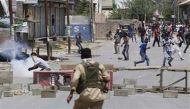 कश्मीर घाटी में फिर भड़की हिंसा, सुरक्षाबलों की फायरिंग में तीन की मौत