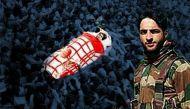 हिजबुल के पोस्टर ब्वॉय का अंत, घाटी में घमासान जारी