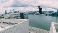 वायरल वीडियोः 25 मंजिला इमारतों के बीच आसानी से कूदफांद करता जंपिंगजैक