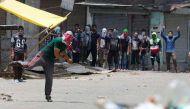 कश्मीर: झड़प में दो प्रदर्शनकारियों की मौत, 8 जुलाई से अब तक 82 मौतें