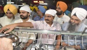 Arvind Kejriwal performs 'seva' at Golden Temple to apologise for AAP's youth manifesto gaffe