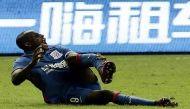 वीडियो: मैच के दौरान चेल्सी के पूर्व दिग्गज फुटबॉलर की टूटकर लटक गई टांग
