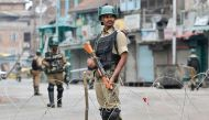 कश्मीर में कर्तव्य निभाते शहीद हुए कांस्टेबल खुर्शीद, 50वें दिन भी कर्फ्यू जारी