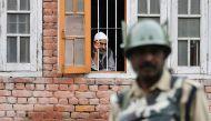 अलगाववादियों के मार्च को रोकने के लिए कश्मीर घाटी में फिर कर्फ्यू