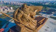 सामने आई चीन में बनी 16 मंजिल ऊंची विशालकाय प्रतिमा