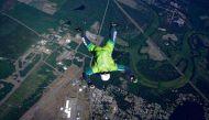 रिकॉर्डः बिना पैराशूट के 25 हजार फीट ऊंचाई से छलांग मारकर 126 सेकेंड में पहुंचा जमीन पर
