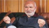जम्मू-कश्मीर के शिक्षा मंत्री नईम अख्तर के घर पर पेट्रोल बम से हमला