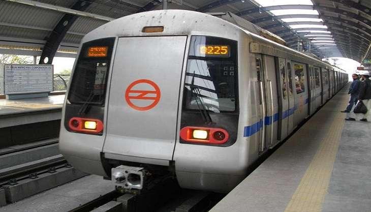 Ten metro stations in Delhi set to go cashless 1 January onwards