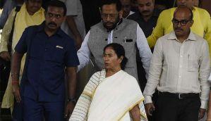 नोटबंदी: दिल्ली के बाद लखनऊ में 'दीदी' का हल्लाबोल, सपा का भी समर्थन