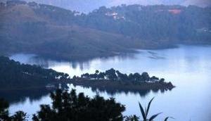 इस विशालकाय झील के अंदर मिला एक किलोमीटर लंबा प्राचीन महल