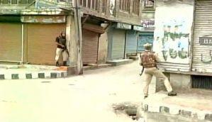 श्रीनगर में सीआरपीएफ कैंप पर हमला, दो आतंकी ढेर, कमांडेंट शहीद