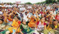 गुजरात: 'चलो उना' मार्च समापन के बाद दलितों पर फिर हमला, मरी गायों को नहीं हटाने का संकल्प