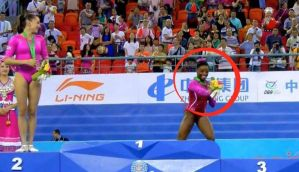 Flies like a bird, scared of a bee! When Simone Biles discovered a guest in her bouquet