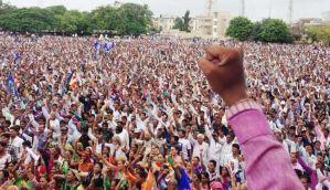 उना, गुजरात: अब न्याय की मांग करने वाले दलितों पर हमला, 50 से अधिक घायल