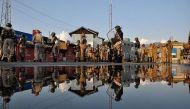 कश्मीर: ठंडी होती आग को हवा देंगे बर्ख़ास्त सरकारी कर्मचारी