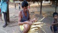 महान लोकतंत्र: आदिवासियों से पूछे बिना ही बेच दी 800 एकड़ जमीन