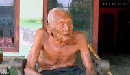 कब्र है तैयार पर मौत नहींः लगता है मौत भूल गई है दुनिया के सबसे बुजुर्ग के घर का पता