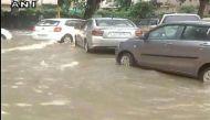 भारी बारिश से थम गया दिल्ली और एनसीआर