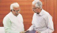 हरियाणा के सीएम को पूर्व डीजीपी की खरी-खरी- 'लात मार दूंगा ऐसी नौकरी को'