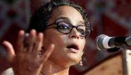 लेखिका अरुंधती रॉय को पाक का न्योता, कश्मीर हिंसा पर रखेंगी अपने विचार