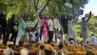 सेक्स सीडी केस: संदीप कुमार के खिलाफ वाल्मीकि समाज का केजरीवाल के घर के बाहर प्रदर्शन