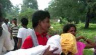 आह! ओडिशा: एंबुलेंस ड्राइवर के इनकार के बाद 6 किमी तक पिता ने ढोया बेटी का शव