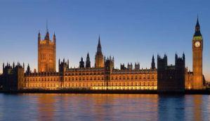 ब्रिटेन करेगा जाति पर चर्चा, भारतीय संसद अभी भी आंख मूंदे हुए है