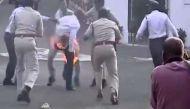 वीडियो: व्यापम घोटाले में गवर्नर के सामने आत्मदाह की कोशिश