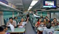 पुरी-हावड़ा शताब्दी ट्रेन में खाना खाकर 40 यात्री बीमार, दर्जनों अस्पताल में भर्ती