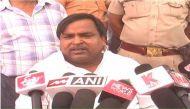 यूपी: खनन मंत्री गायत्री प्रजापति को सीएम अखिलेश यादव ने किया बर्खास्त