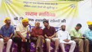 केजरीवाल को स्वराज अभियान की चुनौती: दिल्ली में जबरन बंद होंगी शराब की दुकानें