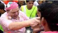 गणपति विसर्जन के मौके पर गुस्साए ऋषि और रणधीर कपूर, पत्रकार को जड़ा थप्पड़
