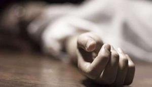 कोरोना वायरस का खौफ: कोविड-19 के डर से IRS अधिकारी ने तेजाब पीकर की खुदकुशी