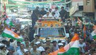 रोड शो में राहुल गांधी पर फेंका जूता, हमलावर गिरफ्तार