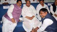 Akhilesh snubs Allahabad HC by bringing Prajapati back in office