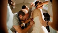 Syrian refugee goes out of his way to help Canadian bride overcome a wardrobe malfunction