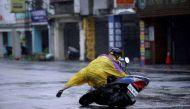 चीन में मेगी तूफान का कहर, 32 लोग लापता