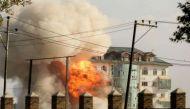 पंपोर में 24 घंटे बाद भी मुठभेड़ जारी, इमारत में छिपे हैं कई आतंकी