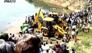 एमपी: रतलाम में बस के पानी में गिरने से 17 मरे, 13 घायल