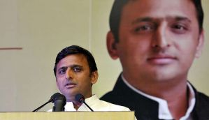 CM Akhilesh Yadav briefs UP Governor on political situation