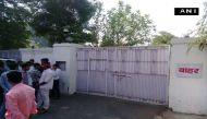 सुलह नहीं कलह बढ़ी: दिल्ली में रामगोपाल तो लखनऊ में शिवपाल की उखड़ी नेमप्लेट