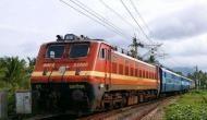 रेलवे में निकलीं 90 हजार वैकेंसी, फिर भी गुस्से में हैं देश के युवा