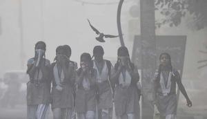 दिवाली से पहले दिल्ली की हवा में घुला जहर, लोगोंं का घुटने लगा दम, अभी और होगी हालत खराब