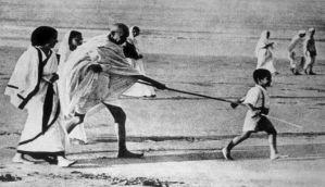 दांडी यात्रा में बापू की छड़ी पकड़ने वाले कनुभाई नहीं रहे
