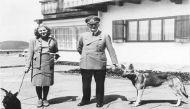 हिटलर की पत्नी इवा ब्राउन के निकर 3,000 पाउंड में नीलाम