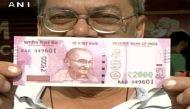 देख परख कर लें नए नोटः धोखेबाज चला रहे 2000 का नकली नोट