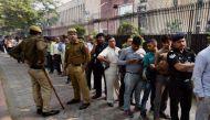 नोटबंदी: दिल्ली में भी टूट रही है लोगों की सहनशक्ति, हो रही है छिटपुट हिंसा